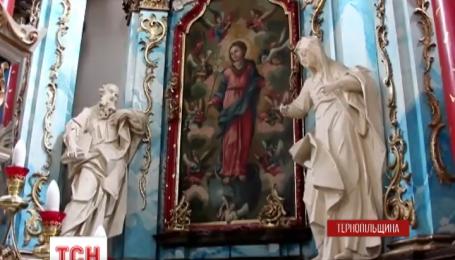 Старинную алтарную икону 18 века обнаружили в храме Покровы Пресвятой Богородицы на Тернопольщине