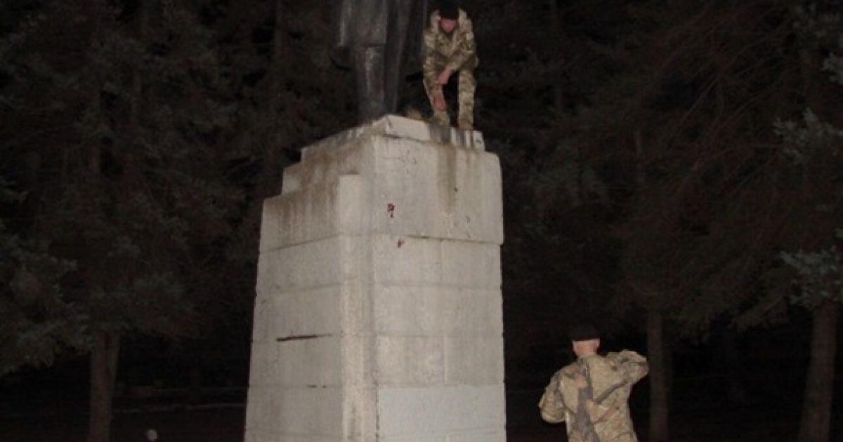 У Дніпропетровську знесли Леніна @ litsa.com.ua