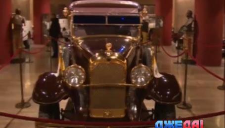 Ватикан показал коллекцию «папамобилей»