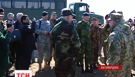 Військові аташе побували в центрі підготовки високомобільних військ України
