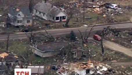 В штате Иллинойсе пронесся разрушительный торнадо, оставив после себя руины
