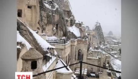 Турцию накрыла снежная буря