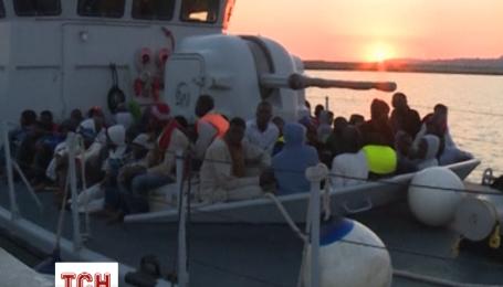 Берегова охорона Італії врятувала з Середземного моря 6 тисяч мігрантів з Африки