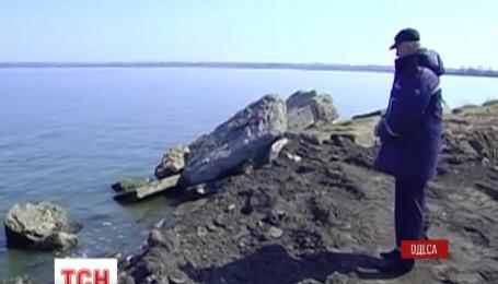 В Одессе спасают дамбу, которая разделяет Хаджибейский лиман и район Пересыпь