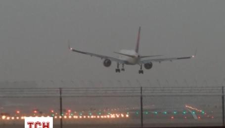 Через сильні вітри в Лас-Вегасі кілька літаків здійснили екстрену посадку