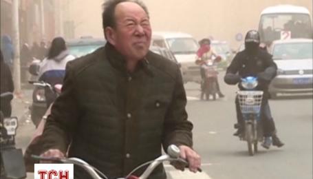 Песчаная буря охватила северные районы Китая