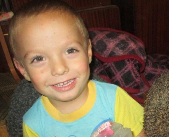 5-річний Денис потребує допомоги у лікуванні ДЦП