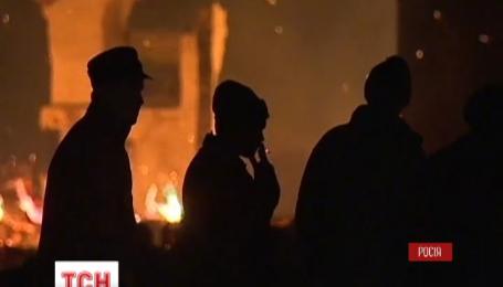 Сто тысяч гектаров России - в огне