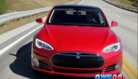 Компания Tesla Motors представила свою новую базовую модель 70D