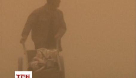 Песчаная буря на севере Китая превратила день в ночь