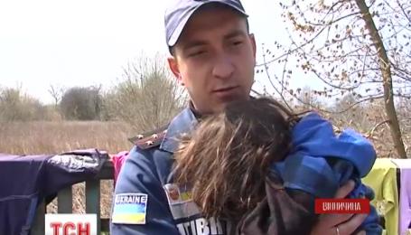 На Вінниччині трирічна дівчинка упала у свердловину