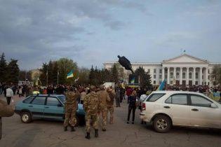 У Краматорську з бійкою знесли пам'ятник Леніну