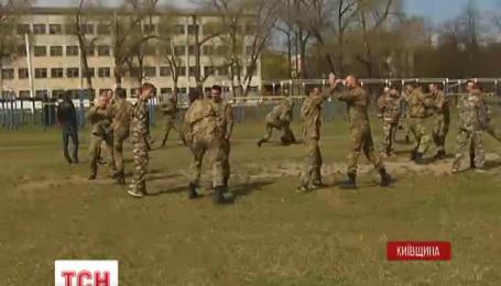 Майстри рукопашного бою національної федерації карате тренують бійців