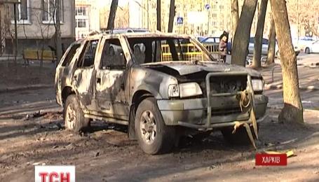 У Харкові о пів на четверту ранку підірвали камуфльований джип