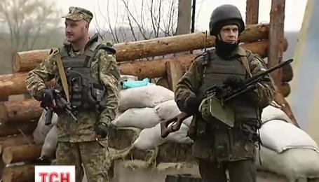 За ніч бойовики обстрілювали українські позиції 17 разів
