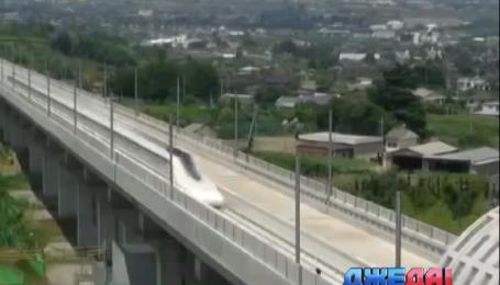 Японцы разогнали поезд до 590 км/ч