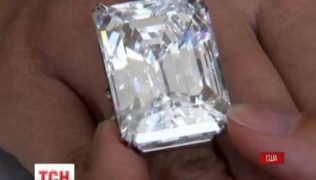 Унікальний прозорий діамант вагою у сто каратів пішов з-під молотка у Нью-Йорку