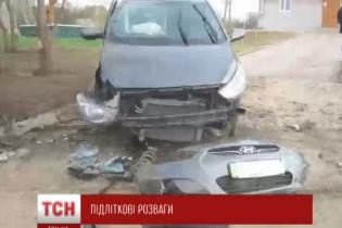 На Сумщине пятеро детей влетели на автомобиле в бетонную плиту