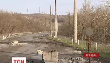 На Луганщине боевики палят по украинцам из автоматического оружия