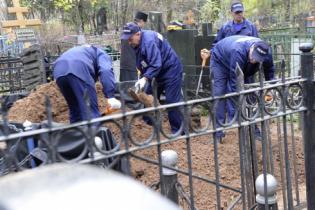 В России хотят раскопать все старые могилы, а найденные драгоценности направить в госказну