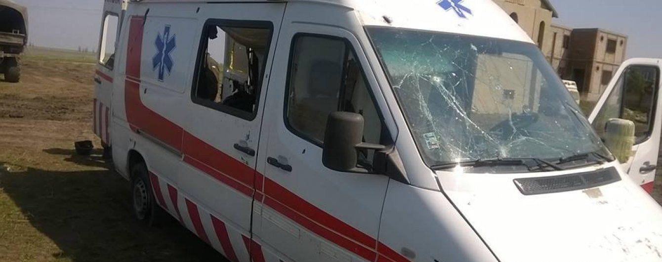 В Запорожье неизвестные расстреляли автомобиль скорой помощи