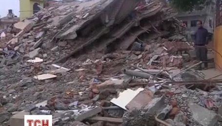 Тысячи непальцев ночевали под открытым небом, опасаясь возвращаться в дома