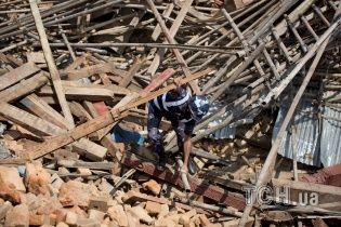 Число жертв землетрясения в Непале превысило 7,3 тысячи