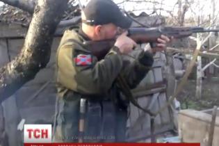 """Российские боевики с матом обстреляли """"укропскую хату"""""""