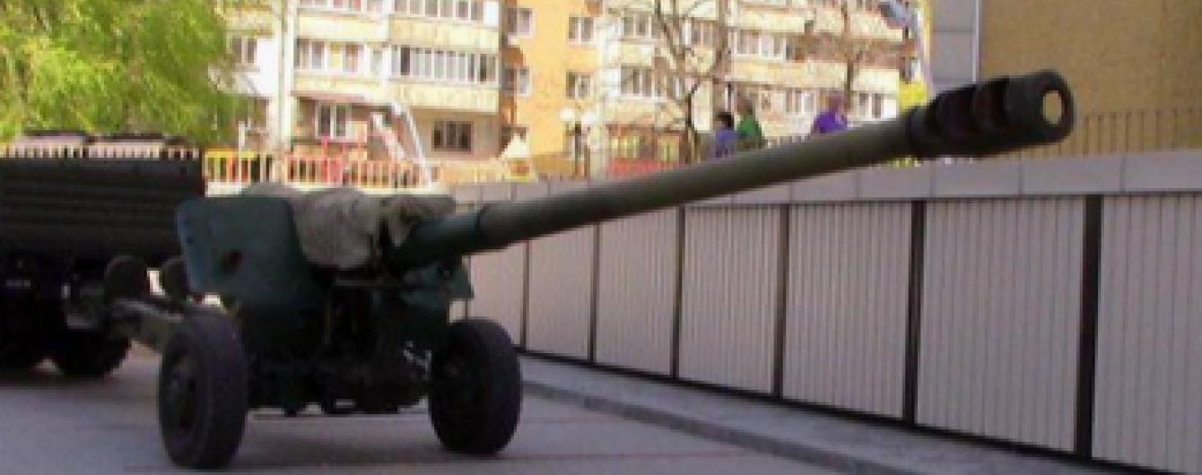 """На Дніпропетровщині """"накрили"""" комерсантів, які ремонтували техніку терористів на Донбасі"""