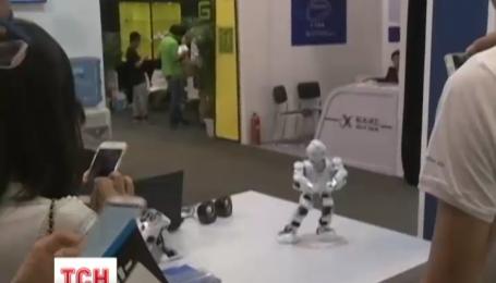 В Китае электронные человечки развлекали участников международной интернет-конференции
