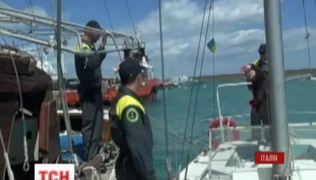 Суд  італійського міста Кротоне залишив під вартою трьох українських моряків