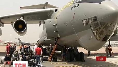 Самолет, который должен эвакуировать украинцев из Непала, в Дели ждет разрешения на вылет