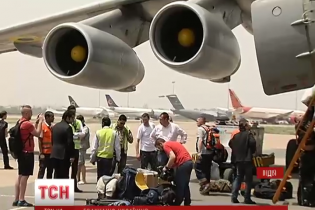 Украинцы в Непале ждут обещанный самолет и страдают от новых подземных толчков