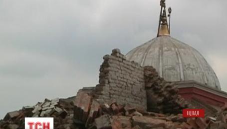 В Непале подросток пять суток провел под бетонной плитой и выжил