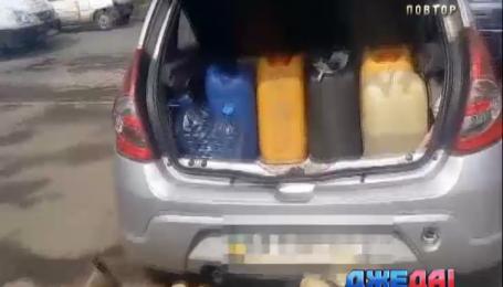 Подпольную АЗС у себя в авто разместил харьковчанин