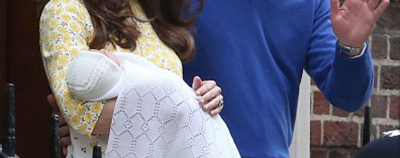 Британскую принцессу Шарлотту решили не наряжать в платья