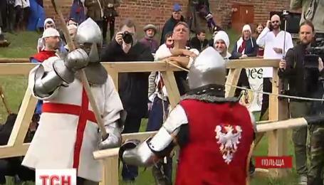 Міжнародний лицарський турнір у Польщі закінчився перемогою господарів фестивалю