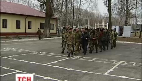 Порошенко підписав указ про звільнення в запас військовослужбовців, мобілізованих торік