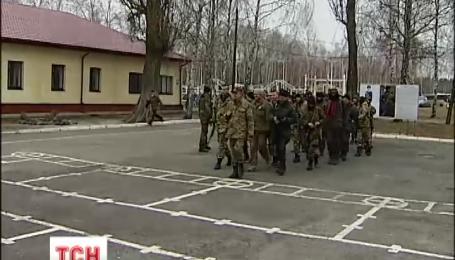 Порошенко подписал указ об увольнении в запас военнослужащих, мобилизованных в прошлом году