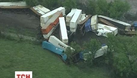 Вантажний потяг зійшов з рейок через сильний вітер в Техасі