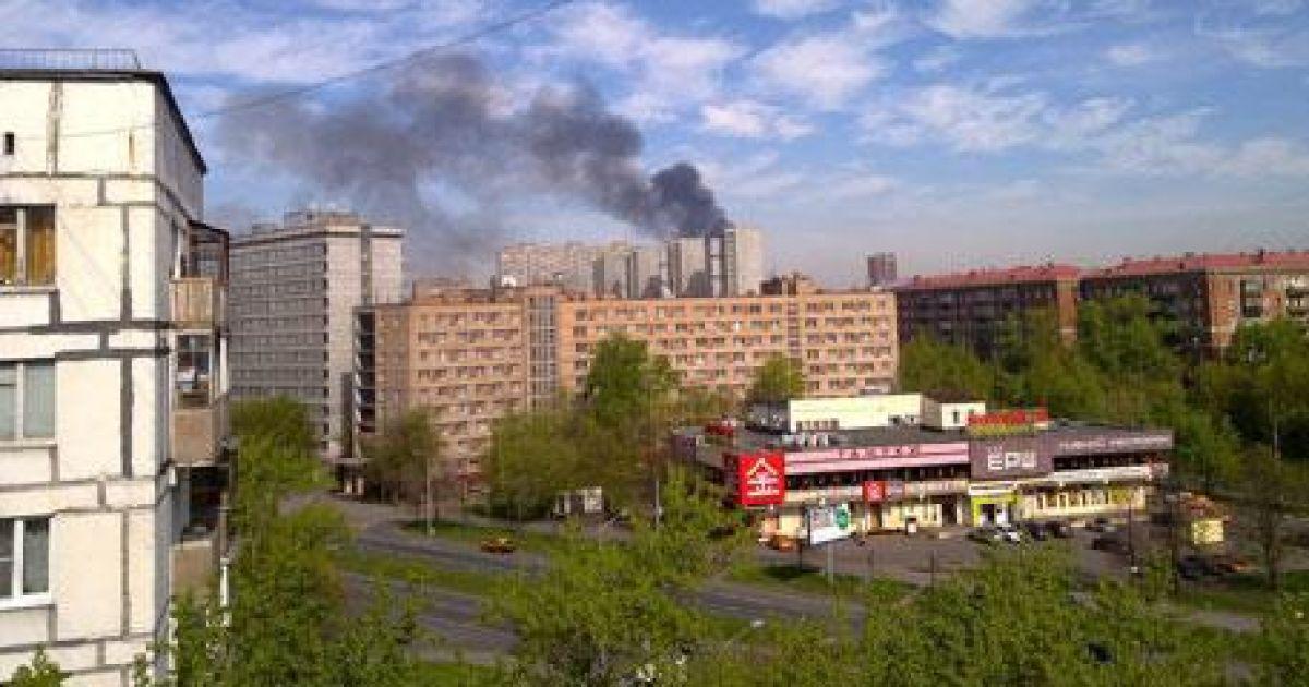 Дим від сильної пожежі на складі в Москві видно на кілька кілометрів @ macrocosmus / Вконтакте