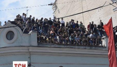 Россиян не пустили на широко разрекламированный парад Победы