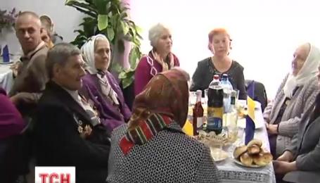 Ветеранов Второй мировой войны в прифронтовом селе Зоря поздравили украинские воины