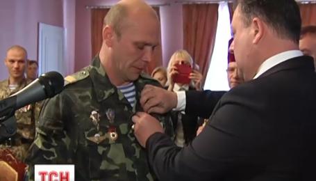 «Рыцарский крест семьи Мазепа» сегодня получили 30 бойцов аэромобильной бригады