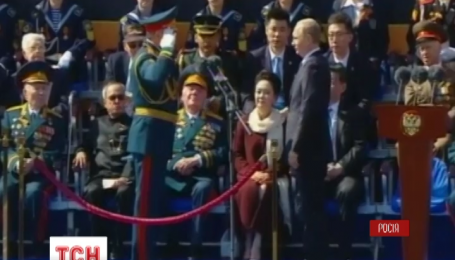 Китайская армия вышла на Красную площадь ко Дню Победы