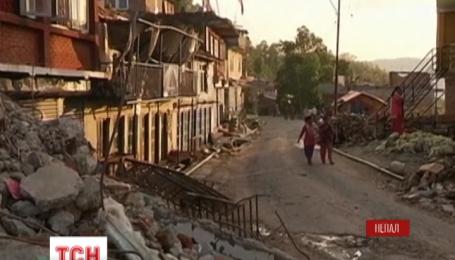Зросла кількість жертв руйнівного землетрусу у Непалі