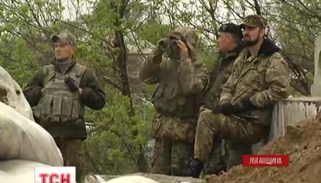 Всю ночь боевики обстреливали позиции украинских военных у Станице Луганской