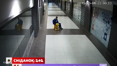 В минском торговом центре украли Винни-Пуха