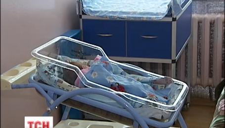В столице под больницу подбросили младенца