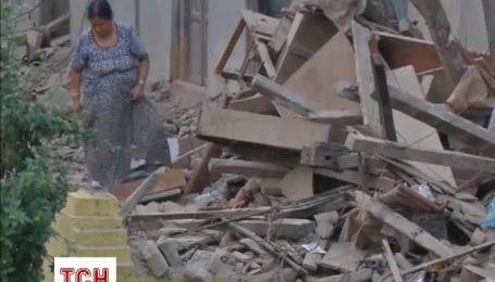 Жертвами нового землетрусу в Непалі стали вже майже 100 людей